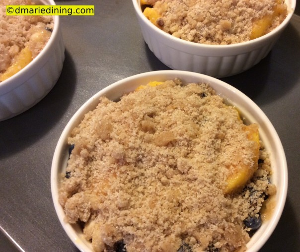 Peach Blueberry Crumble 3_1