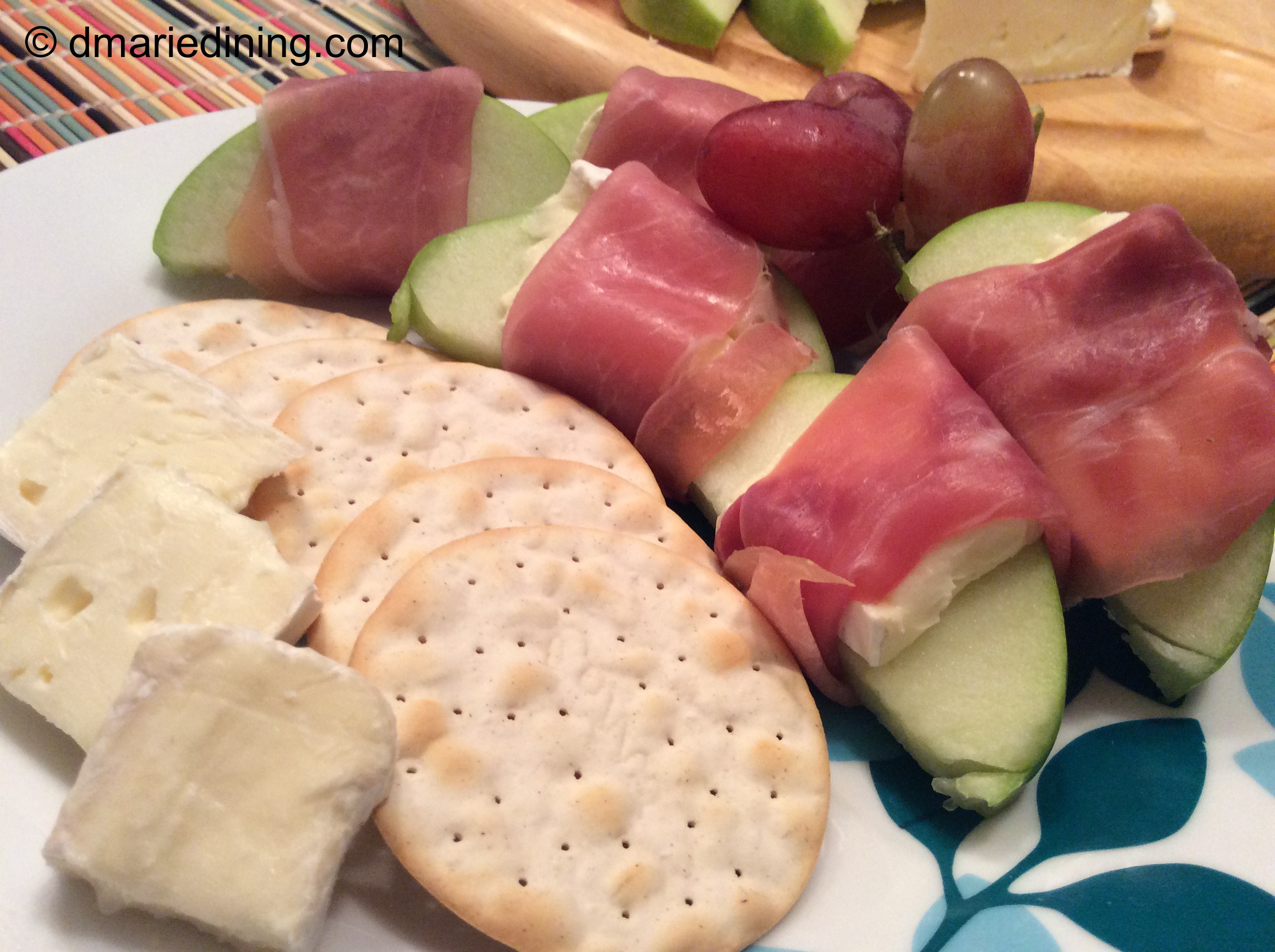Apple, Brie and Prosciutto Appetizer | dmarie-dining